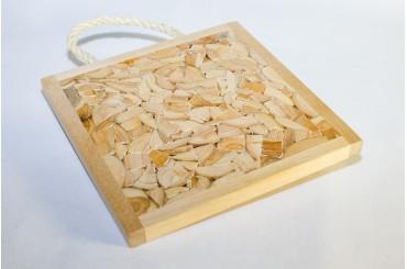 Juniper trivet with rope