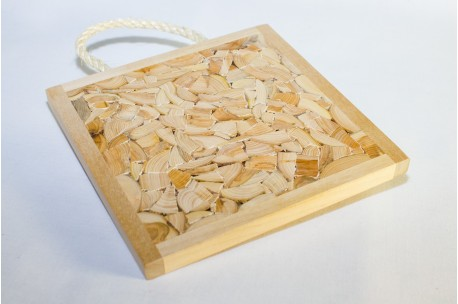 Juniper trivet with rope